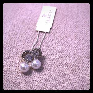 NWT Jardin Pearl Earrings